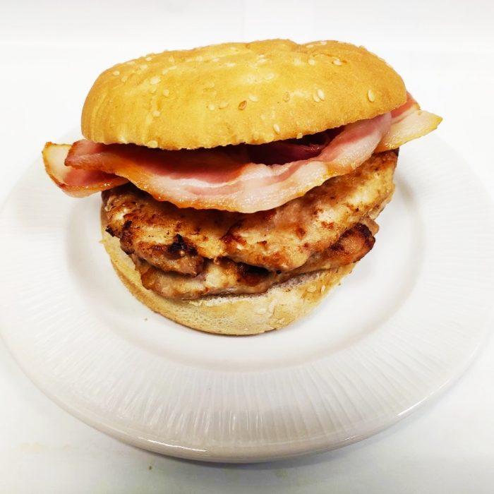 Hamburguesa de pollo sola doble con bacón