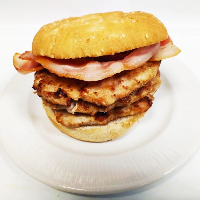 Hamburguesa de pollo sola triple con bacón