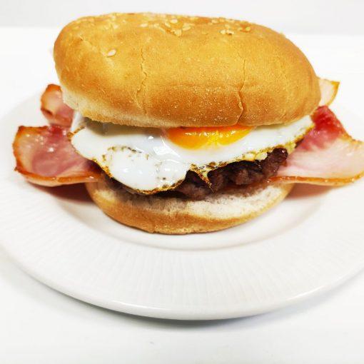 Hamburguesa de ternera sola con bacón y huevo