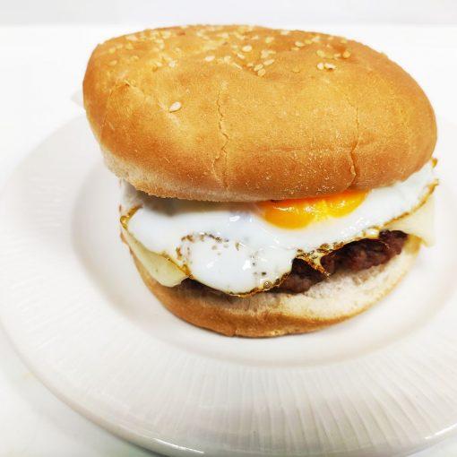 Hamburguesa de ternera sola con huevo